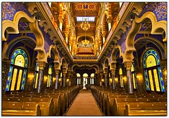 Symmetry in the SynaPrague (Nathan Bergeron Photography) Tags: light church geotagged vanishingpoint interestingness europe artist colours czech prague synagogue wideangle praha novmsto symmetry artnouveau organ getty czechrepublic newtown pews picks easterneurope centraleurope moldings stainglasswindows explored jeruzalemska moorishrevival yearinfrance ahitecture 18122009 geo:lat=500848 geo:lon=1443184 thejerusalemsynagogue thejubileesynagogue