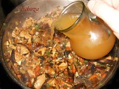 noodles de teriyaki con kombu-añadir caldo