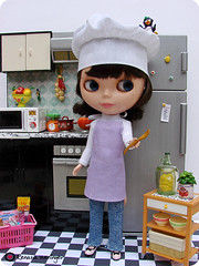 brincando de cozinhar (* Rezinha *) Tags: apple kitchen toy toys miniature doll mini blythe neo boneca rement fashiondoll cenrio cozinha diorama sta miniatura dollhouse culinria savetheanimals blythecombr