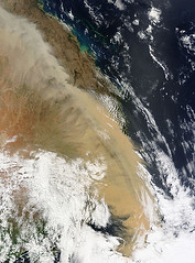 443px-Dust_storm_over_eastern_Australia_-_MODIS_Terra_250m_-_23_Sept_2009