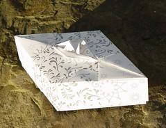 Rautenschachtel mit stilisierter Blüte von Tomoko Fuse (Tagfalter) Tags: origami box tomokofuse