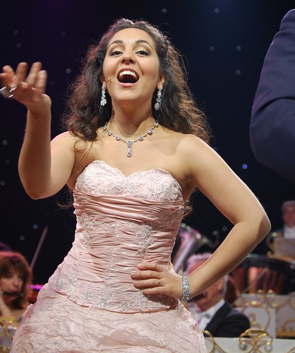 Carmen Monarcha (Soprano Soloist, Choir) 29 Oct 2009; Melbourne, Australia