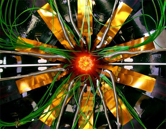 05_CERN-LHC-Alice-inner-tracker-thumb-550x430-7818