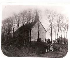 Kerk in de tijd na de afgraving van de wierde