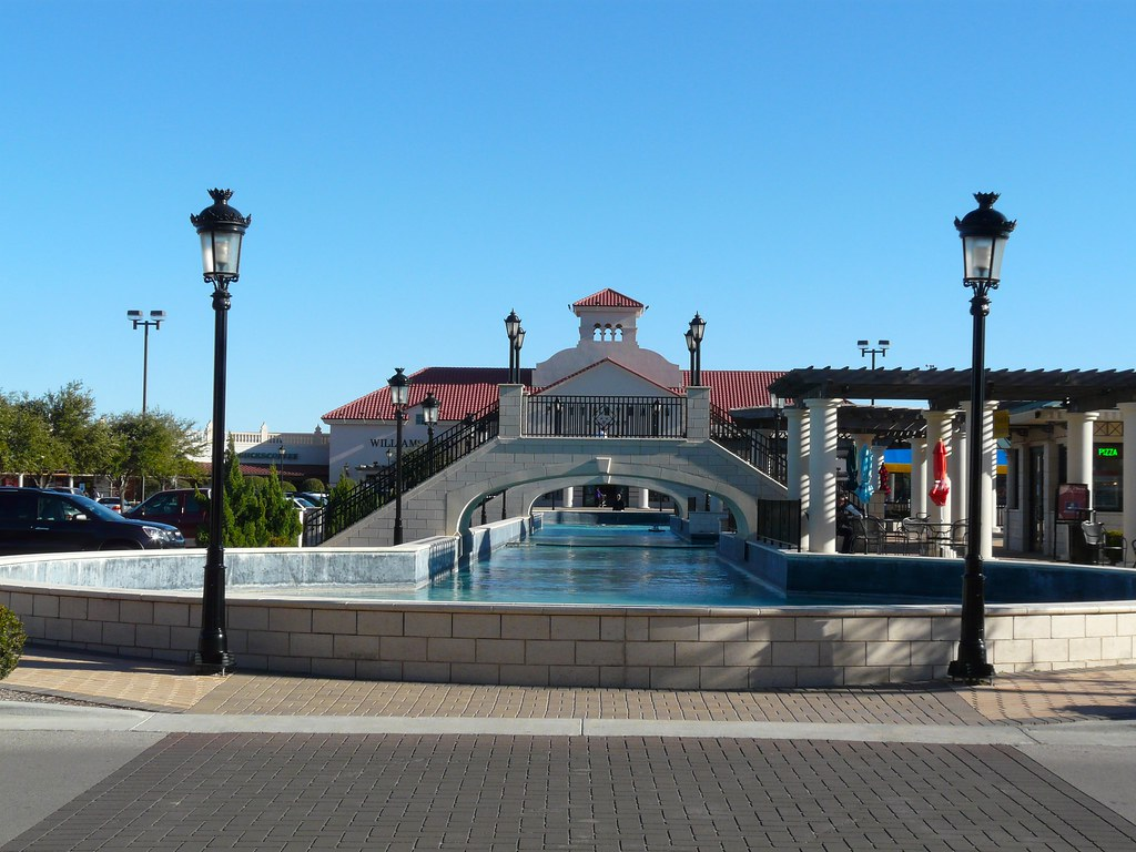Outlet stores in San Marcos - 24
