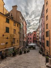 Piazza dei truogoli di Santa Brigida (FButzi) Tags: genova genoa italy italia trogoli lavatoio santa brigida