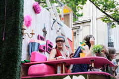 Gay Pride 2009  Paris (Thibault Dangraux) Tags: pink people paris france june rose geotagged juin walk parade lgbt carnaval gaypride manifestation reportage dfil fierts gaypride2009