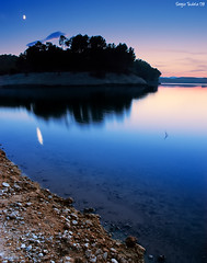 Dreamy night (SergioTudela) Tags: longexposure sunset moon mountain lake reflection water sergio night lago atardecer noche andaluca agua lun