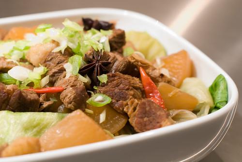 Chinese Beef Brisket with Radish 柱侯蘿蔔炆牛腩