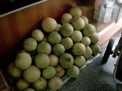Big pile of Pomelos