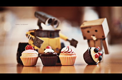 Hard to Resist (marqos) Tags: sweet explore frontpage walle danboard