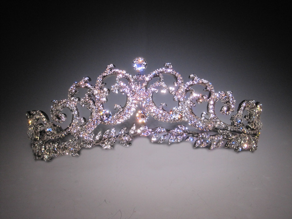 Bridal Styles Boutique replica of Princess Kate's Cartier Scroll Tiara, halo tiara inspired, royal bridal tiara