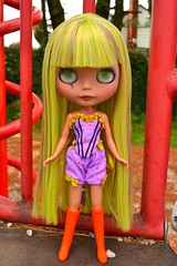 little monster (cybermelli) Tags: sky green vintage tooth carved costume doll purple boots heather teeth barbie highlights lips corset squishy blythe trio prima custom dolly scar takara fang littlemonster saran littlemissnoname rbl reroot faceup blyhte primadolly jaszmade