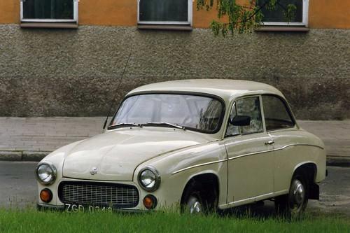 Samochod FSM 105 Syrena, 2-stroke engine. Wolsztyn May 1991
