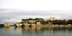 Palais des Papes and  le pont d'Avignon (Osthollnder) Tags: summer france reflection geotagged colorful cloudy september brcke avignon spiegelung 2009 palaisdespapes rhone wolkig pontdavignon papstpalast explored frankraic
