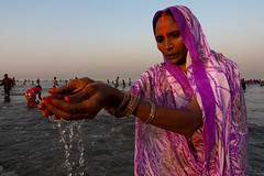 Chhath Puja (Ashish T) Tags: ocean sea woman sun india men colors festival night canon lowlight women worship colorful indian religion tokina celebrations ritual mumbai hindu hinduism puja prayers 1224 chhath 40d socialaffairs ashishtibrewal