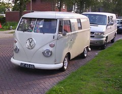 "UF-65-66 Volkswagen Transporter bestelwagen 1964 • <a style=""font-size:0.8em;"" href=""http://www.flickr.com/photos/33170035@N02/4052497185/"" target=""_blank"">View on Flickr</a>"