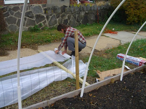 09 11 14-15 Tinges Common hoop house construction 02.jpg