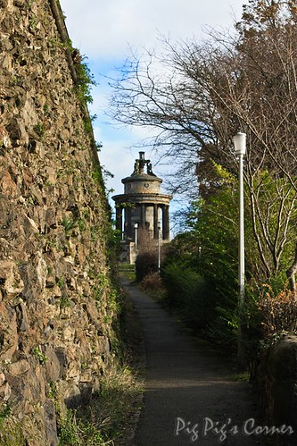 edinburgh 14 Burns Monument