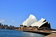 Sydney Opera House {Explored} (Eustaquio Santimano) Tags: world 2003 new house heritage beauty wales century buildings point site ancient opera with image south centre famous great sydney performing arts landmarks australia unesco architect most danish stonehenge sharing prize iconic giza built necropolis 20th received masterpiece recently honour highest constructed distinction pritzker utzon distinctive architectures bennelong jørn largely centres conceived bej flickraward multivenue