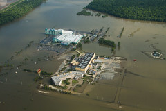 20110519-NRCS-LSC-0954 (USDAgov) Tags: bridge trees usa river mississippi hotel flood casino vehicles ms farms parked roads greenville levee laandms