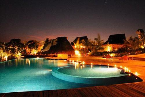 Eskaya Pool