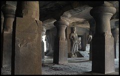 Great Cave (indianature13) Tags: elephantacaves elephanta unescoworldheritagesite gharapuri india mumbai bombay island maharashtra konkan bombayharbour heritage cave sculpture carving rockcarving stonecarving hinducavetemple 2017 february art archaeology culture asi archaeologicalsurveyofindia