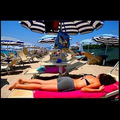 Minnie and Mickey chez Mico's (Osvaldo_Zoom) Tags: summer beach colors estate reggiocalabria mickeymouse minniemouse umbrellas ombrelloni spiaggia tanned gallico platinumphoto lamiaspiaggia topolinatopolona