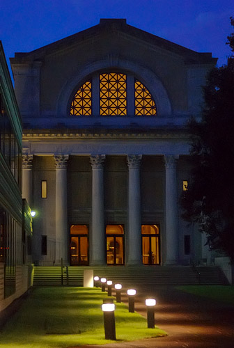 Saint Louis Art Museum, in Saint Louis, Missouri, USA - exterior at night