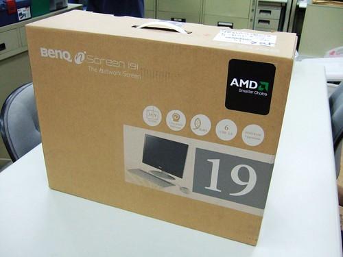 另一面上面有貼AMD的貼紙...