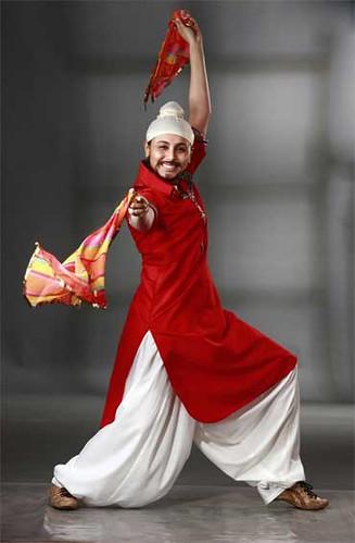 Rani Mukherjee dressed as a Sikh boy in Dil Bole Hadippa