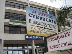 24 Hour Cybercafe - Closed every time I went by (Wayan Vota) Tags: computer center business westafrica nigeria photocopy 2009 cybercafe telecenter fct typesetting abuja wayan federalcapitalterritory nigeriancapital