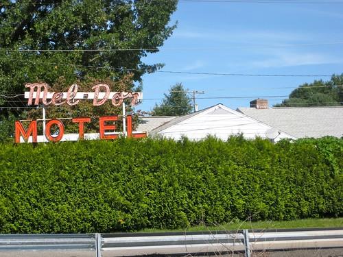 Mel Dor Motel Sign