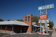20090927 Sunset Motel