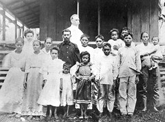 Military Personnel and Chamorro Family, 1902