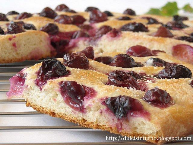 Focaccia Dolce con Uva Fragola-Sweet Grape Focaccia
