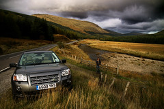 The Ride. (Markus Moning) Tags: auto road street uk 2 sky car river landscape scotland highlands ride offroad strasse united himmel kingdom automotive rover off smoking highland land vehicle mate suv fluss landrover landschaft freelander schottland a85 hse moning automobil hochland joehaenes markusmoning canoneos50d