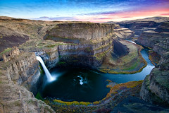 Palouse Falls (Amar Raavi) Tags: cliff water iceage washington wideangle canyon waterfalls hdr youhadtobethere sigma1020mm palouseriver palousefalls exposureblending palousefallsstatepark experiencewa missoulafloods canoneos40d columbiariverbasaltgroup amarraavi lowerpalousefalls