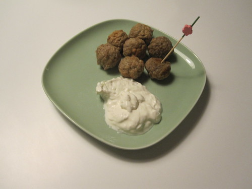 Apéro meat balls and tzatsiki