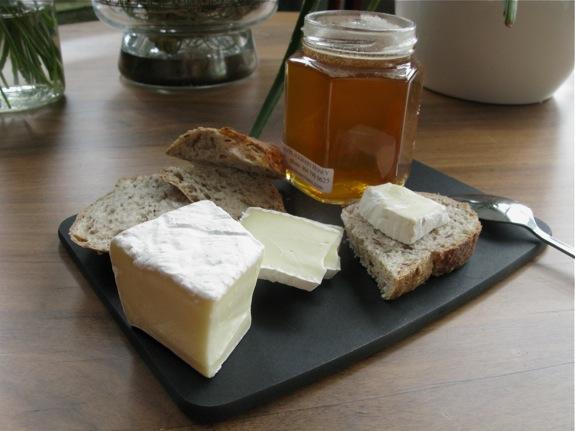 honey cheese bread 001