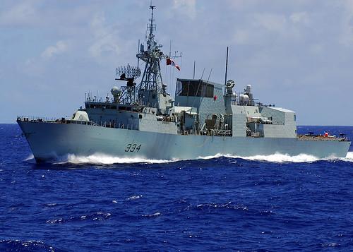 800px-HMCS_Regina_%28FFH_334%29_Frigate