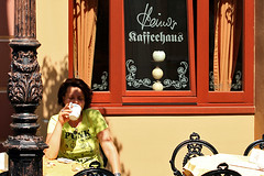 tassology @ Heino's coffeehouse (cool_colonia4711) Tags: woman female tshirt nrw amusementpark frau nordrheinwestfalen themepark phantasialand brhl tasseography heino coffeehaus vergngungspark kaffeesatzlesen kaffeehaus northrhinewestphalia freizeitpark tasseomancy altberlin heinos coffeereading tassology punkandpeace kaffeesatzorakel