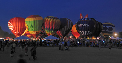 Great Forest Park Balloon Race, at Central Field in Forest Park, Saint Louis, Missouri, USA - Balloon Glow 1