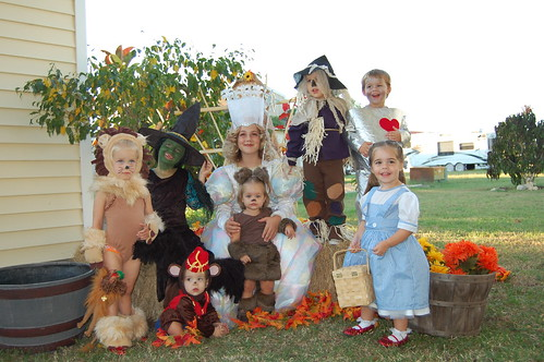 Halloween Party Wizard Of Oz Style The Party Fetti Blog