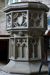 C15 font pedestal