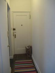 IMG_4388 (flaschenpostpics) Tags: nyc myfirstapartment manhattanapartment apartmenttherapyny uppereastsidestudio