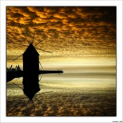 MOLINO DE NUBES (Charly JPG (Carlos Jos Prez)) Tags: espaa cloud reflection windmill moulin spain molino murcia nubes reflejo espagne cartagena nube spagna molinodeviento topseven charlyjpg vosplusbellesphotos peregrino27newvision