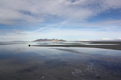 (provincijalka) Tags: blue sky lake mountains water clouds utah big cool salt environmental wideangle saltlakecity areal easy breathe thegreatsaltlake vast establishing provincijalka donttrytoremember saltaireach