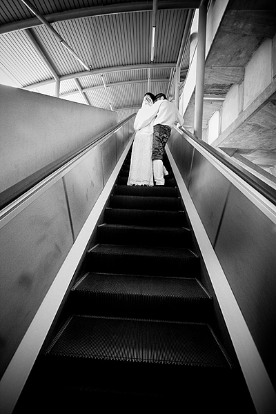 IMG:Black-and-White escalator