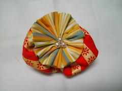 Broche multicolorido (MorenArteirA) Tags: broche flor fuxico quadrada oncinha malha malhinha